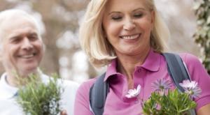 Điều trị loãng xương ở phụ nữ mãn kinh (1)