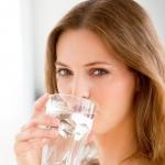 Vì sao phụ nữ lại dễ bị nhiễm trùng đường tiểu (1)