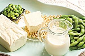 Bạn nên tập thói quen uống sữa đậu nành hàng ngày