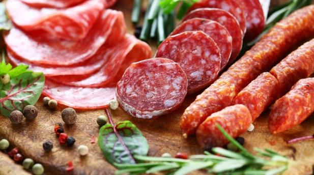 Thịt đã qua chế bién có thể làm bạn tăng nguy cơ mắc ung thư