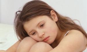 Giun kim chính là một trong những nguyên nhân gây viêm âm đạo ở trẻ em